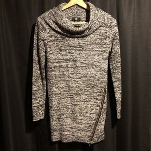 IZ Byer Sweater with cool diagonal side zipper